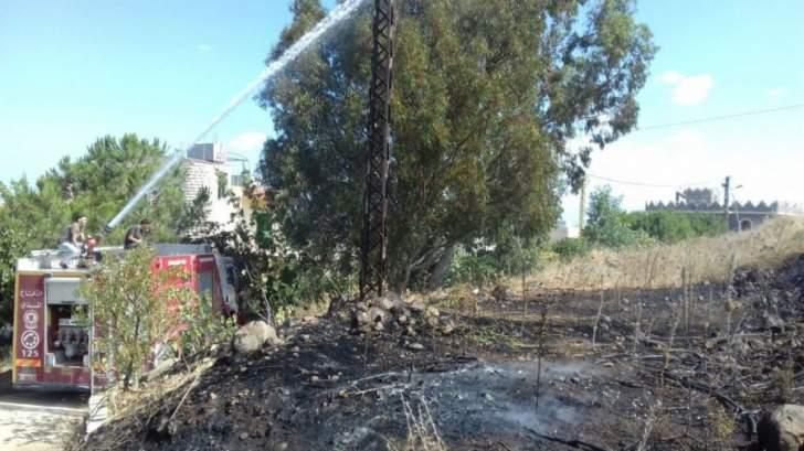 الدفاع المدني: إخماد حريقي أعشاب يابسة في المعيصرة وإهمج
