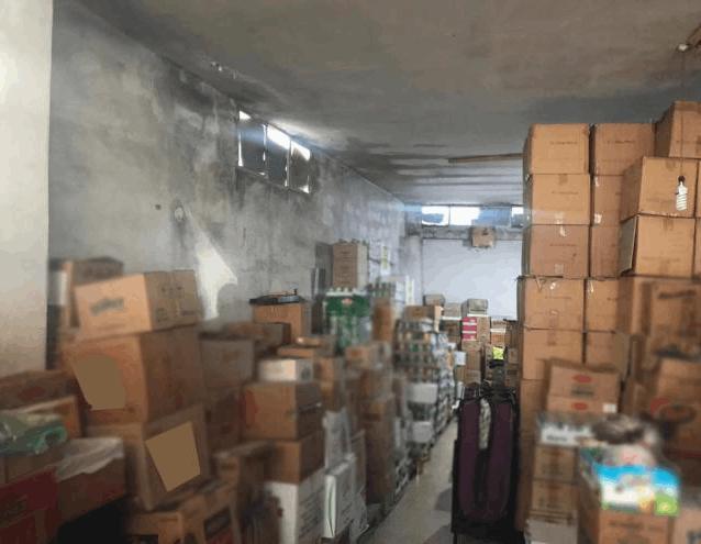 توزيع مواد غذائية منتهية الصلاحية في السوق اللبنانية