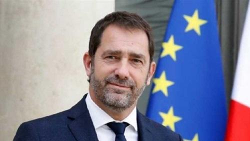 وزير الداخلية الفرنسي يُعارض حظر استخدام الغاز المسيل في المظاهرات