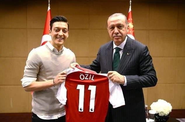 أردوغان: أؤكد تعاطفي ومساندتي لأوزيل