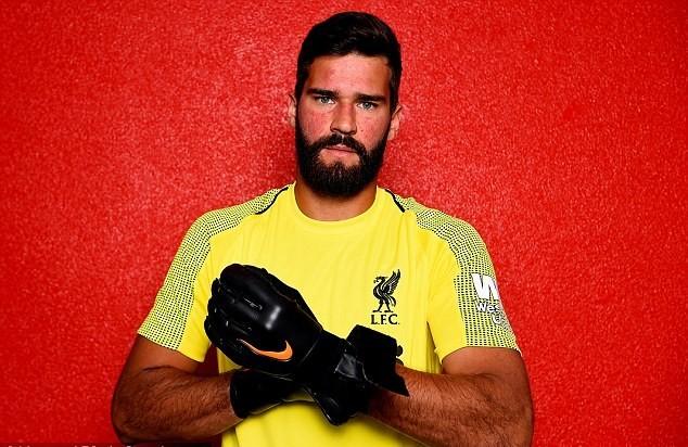 اليسون بقميص ليفربول للمرة الاولى