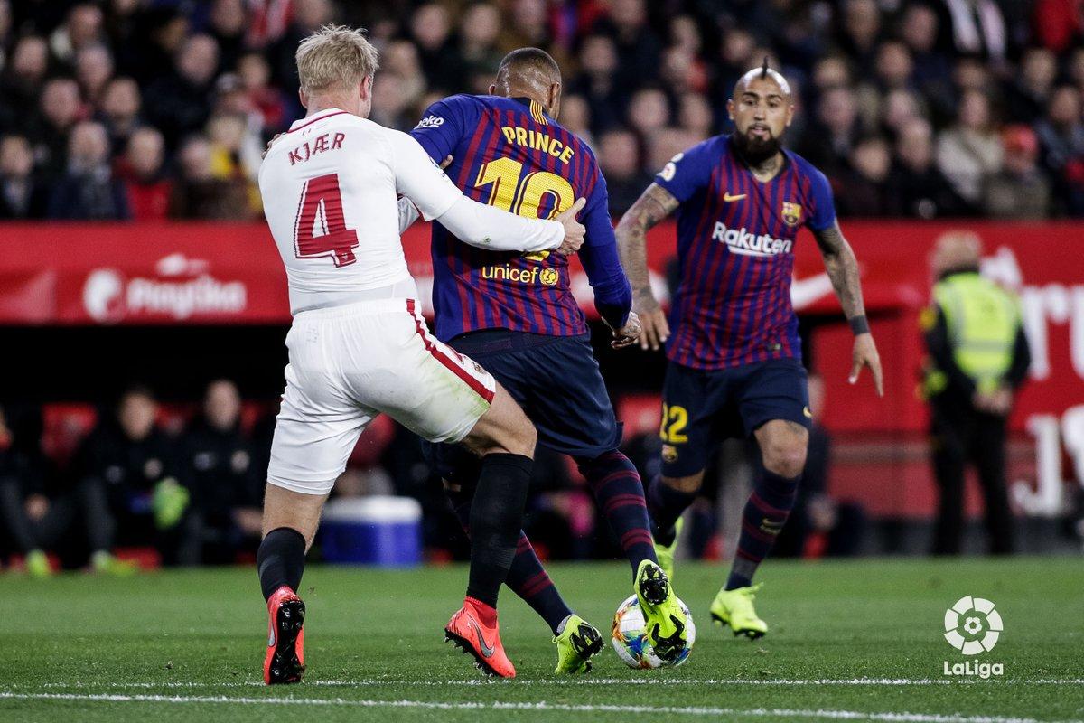 غياب ميسي يؤثر على برشلونة ويسقط أمام إشبيلية