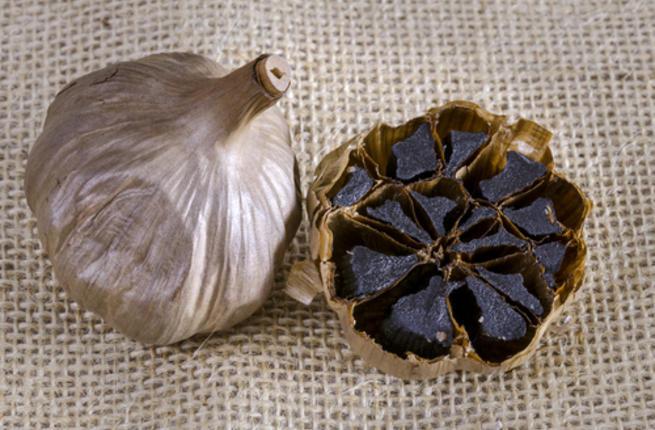 ماذا تعرف عن الثوم الأسود؟