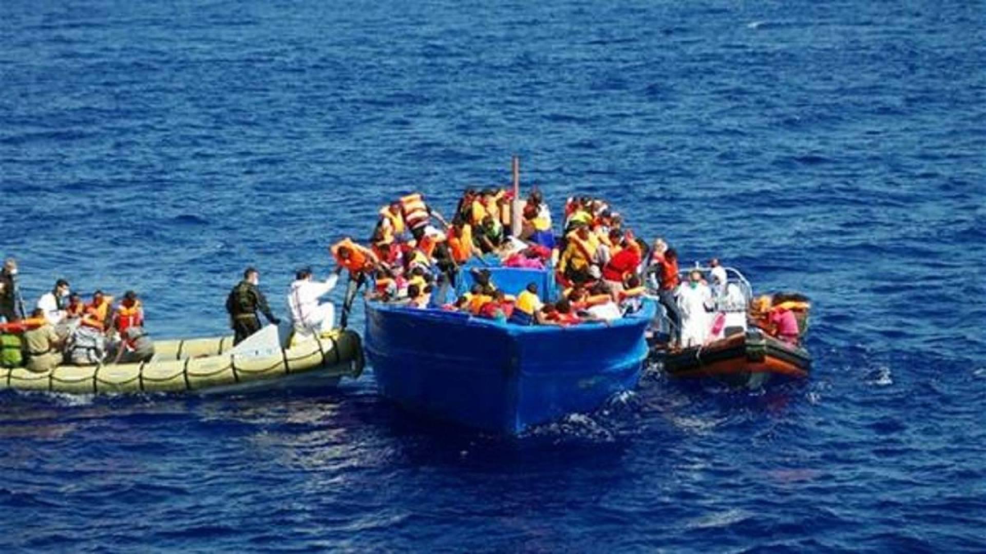 البحرية الليبية تنقذ 332 مهاجرا غير شرعي خلال يومين