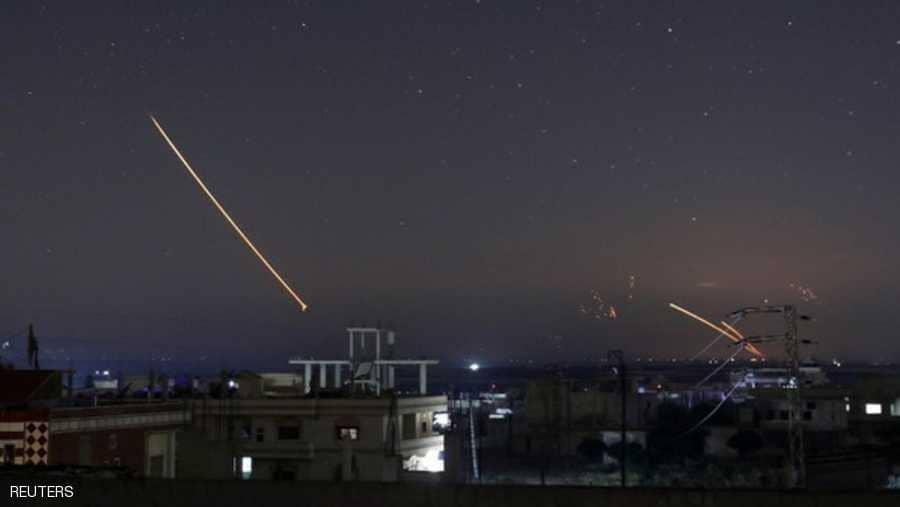 21 قتيلا بالغارات على دمشق وتبادل تهديدات إيراني-إسرائيلي