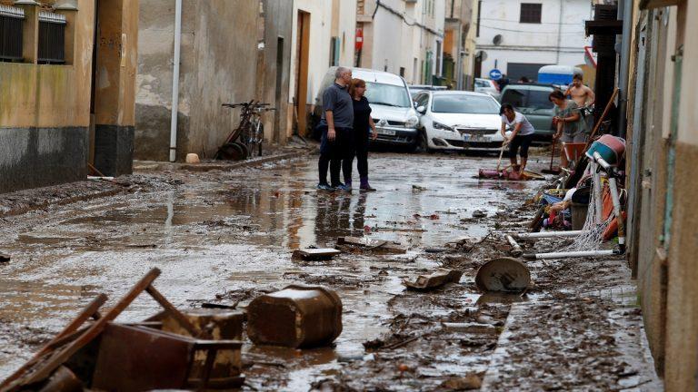 مصرع 3 أشخاص شمال أسبانيا جرّاء الأمطار الغزيرة والعواصف