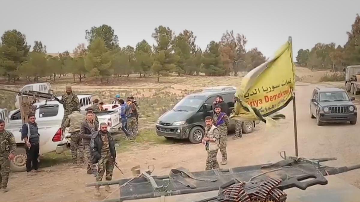 10 آلاف مدني يفرون من معارك تطهير دير الزور!